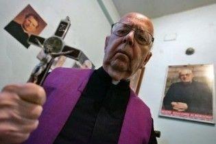Головний екзорцист Ватикану: педофіли не одержимі дияволом