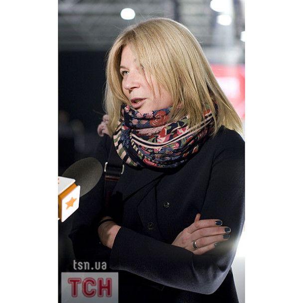 """Кільчицька та Христина Черновецька прийшли подивитись на """"Голу правду"""""""