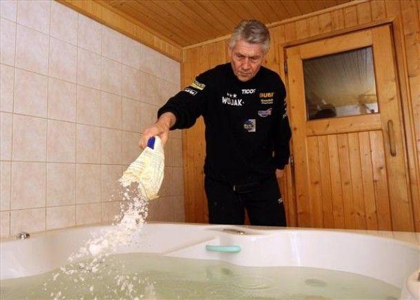 Сосновськи готується до Кличка у соляних ваннах