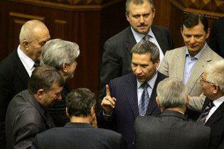 Український депутат отримує за місяць стільки, скільки його виборець за 2 роки