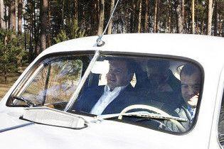 Янукович і Мєдвєдєв візьмуть участь в автопробігу