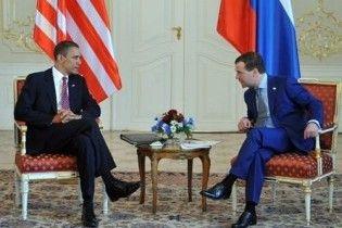 Обама та Мєдвєдєв прибули до Праги підписувати договір по СНО