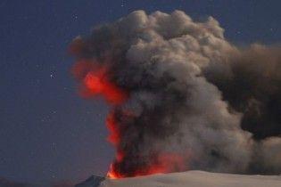 В Італії через хмару вулканічного попелу закрито повітряний простір