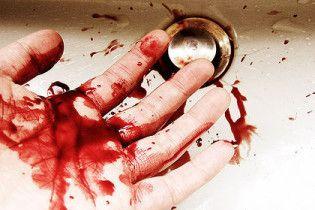 Студент убив сестру гантелею, а потім перерізав собі вени