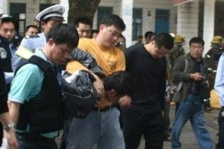 У Китаї озброєний чоловік напав на вихованців дитсадка: поранено 28 дітей