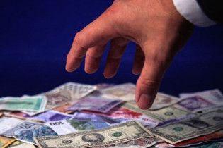 В Україні майже повністю скасовано валютне кредитування