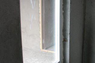 Во Львове студент выпал с девятого этажа общежития (видео)