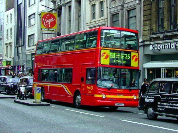 Лондонський автобус (Фото: deskpicture.com)
