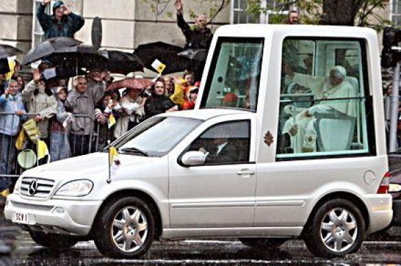 Папа-мобіль (Фото: businessweek.com)