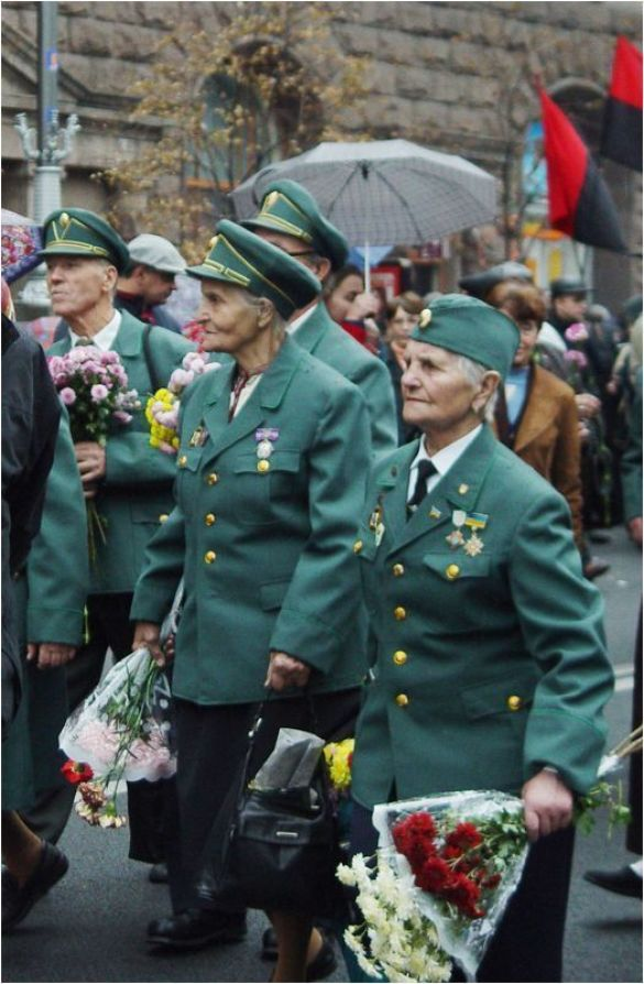 Ветерани УПА (Фото: mav.kiev.ua)