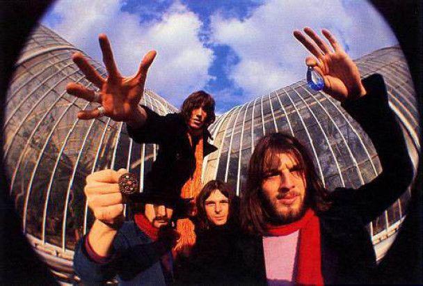 Знаменитая надувная свинья Pink Floyd появится в небе