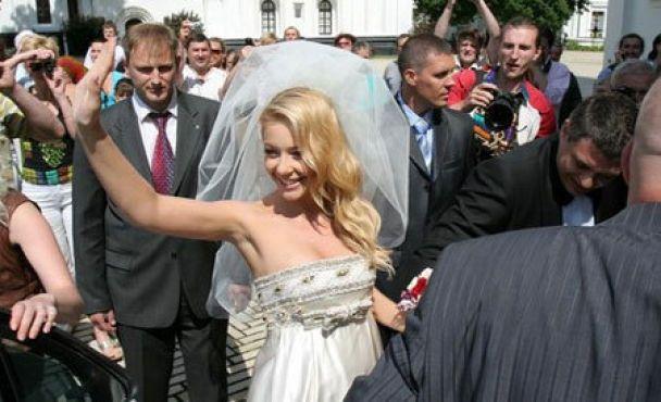 Святкування річниці весілля Тіни Кароль закінчилося міліцією