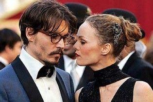Ванесса Параді заборонила Джонні Деппу спати із Джолі