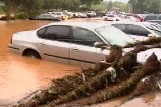 Зливи затопили метро в Атланті і викликали повінь