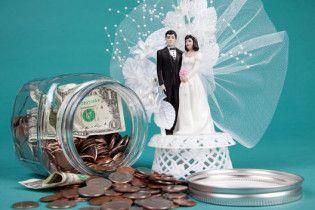 Одружені чоловіки заможніші за холостяків