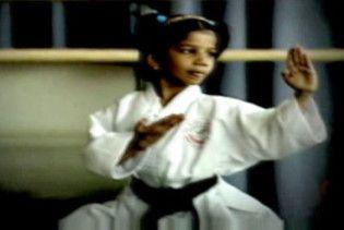 5-річна дівчинка отримала чорний пояс з карате