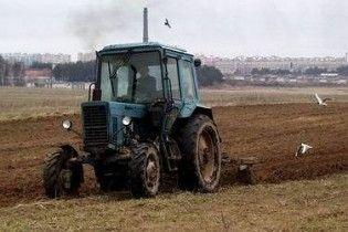 Землю в Україні продаватимуть з 2013 року і лише власним громадянам