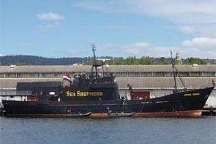 Судно екологів атакувало японський китобій біля берегів Австралії