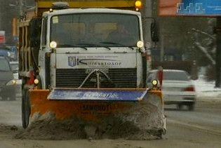 На неприбраний на дорогах сніг слід скаржитися до міліції