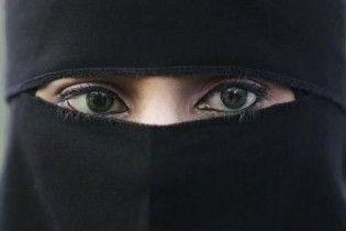 У Барселоні заборонили носіння паранджі у конкретних місцях