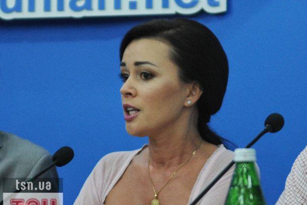Анастасія Заворотнюк відселила своїх дітей в окрему квартиру