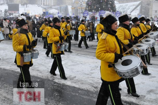 У Києві відбувся парад Дідів Морозів