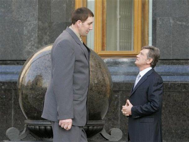 Українця позбавили звання найвищої людини в світі