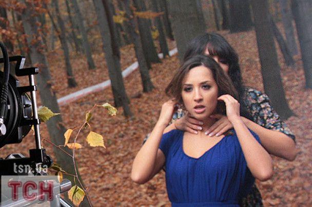 """""""Алібі"""" вивезли в ліс і змусили бігати на підборах"""