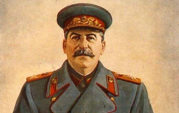 Росія поклала вину за Катинську трагедію на Сталіна