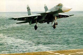 Китай скопіював російський винищувач Су-33 на основі купленого в України прототипу