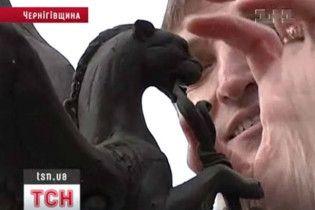У Чернігові церква протестує проти встановлення скульптури символу міста