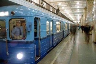 Жінка-самогубця кинулася під потяг в київському метро