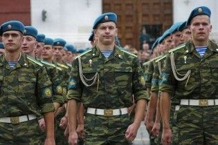 Українські та російські військові зібрались на генеральну репетицію параду