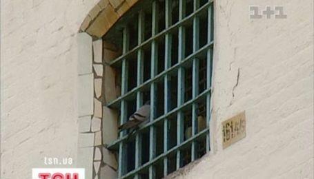 Проституція в Україні: сутенери в погонах