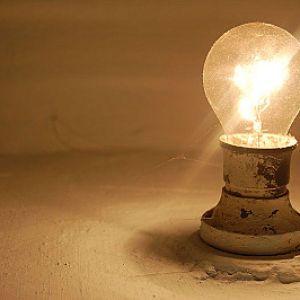 Близько 400 населених пунктів лишаються без електропостачання через негоду