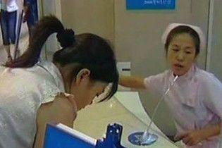 Нове масове отруєння свинцем в Китаї: постраждали 1,3 тисячі дітей