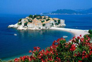 Чорногорія відмінить візи для українців