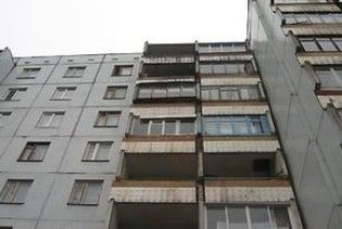 Троє п'яних чоловіків викинули повію-нігерійку з вікна