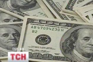 Долар на міжбанку зупинився на 8,30 гривнях