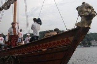 На Дніпрі затонула реконструйована козацька чайка