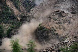 Зсуви ґрунту в Китаї поховали під собою 14 людей. Ще 12 зникли без вісти