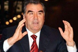 Президент Таджикистану закликає громадян не спілкуватися російською