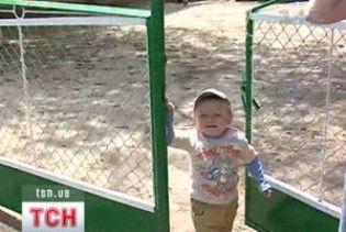 Дворічний малюк з Тернопільщини пішки дістався до сусідньої області