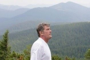 Ющенко 36-й раз поприбирає Говерлу