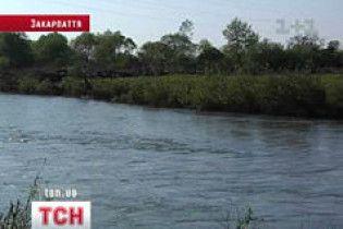 З Румунії до України тече небезпечна для життя вода
