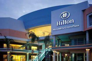 Готелі Hilton розпродують акції