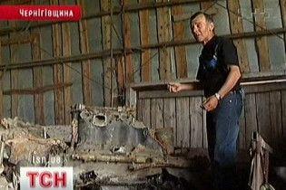 Фермер із Чернігівщини знайшов у болоті два військові літаки