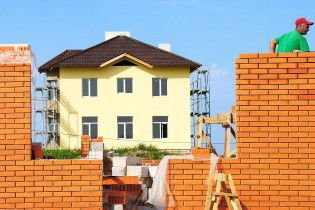 Влада Києва розпродала землі на майже 80 мільйонів гривень
