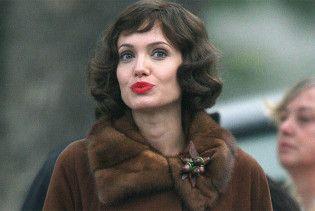 Міхалков не буде знімати Джолі у своєму кіно