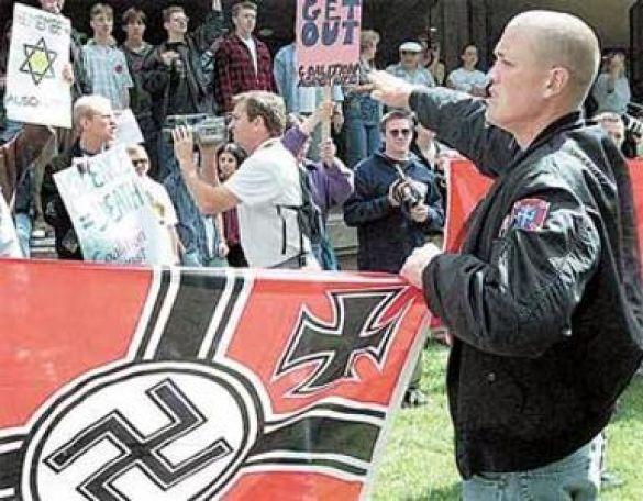 Мітинг неонацистів (Фото: centroschilenos.blogia.com)